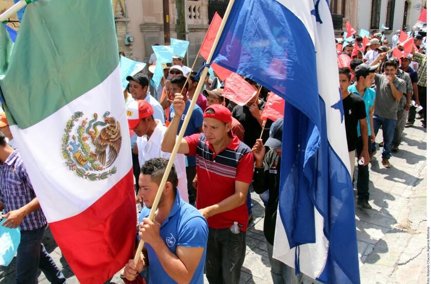 Migrantes de Nicaragua, El Salvador, Guatemala, entre otros países, marcharon en Coahuila en el marco de de la Semana Jubilar por la Misericordia a los Migrantes.