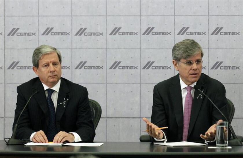 El consorcio mexicano Cemex, uno de los mayores productores de cementos del mundo, anunció hoy que venderá hasta el 23 % de su participación en Grupo Cementos de Chihuahua (GCC). EFE/ARCHIVO