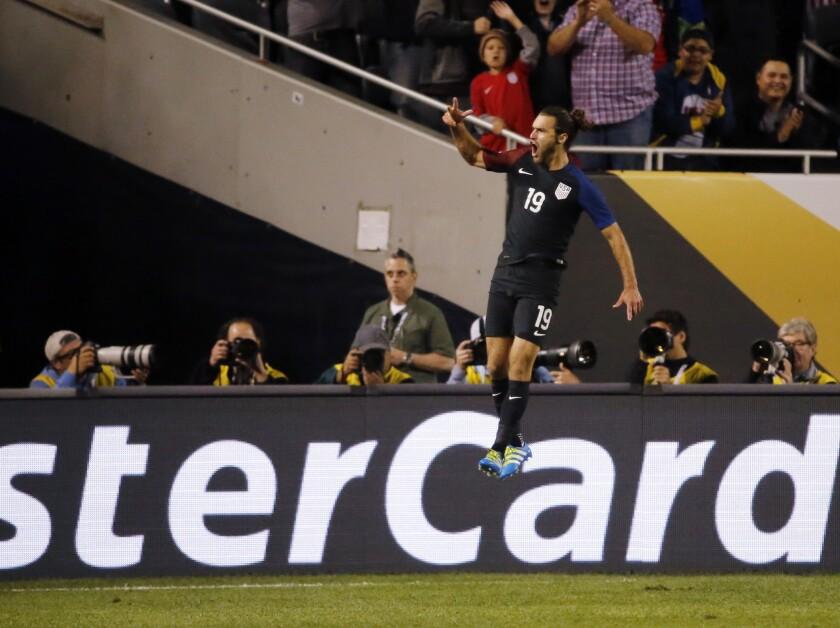 US blanks Costa Rica, 4-0