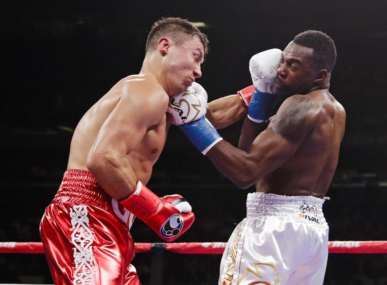APphoto_Golovkin Rolls Boxing