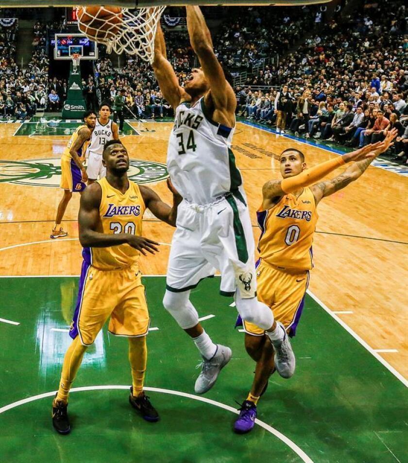 98-90. Ante los Lakers, Antetokounmpo lidera a los Bucks y Ball logra marca de liga