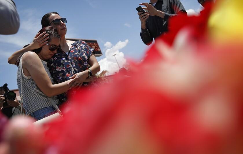 Makeshift memorial to victims of El Paso mass shooting