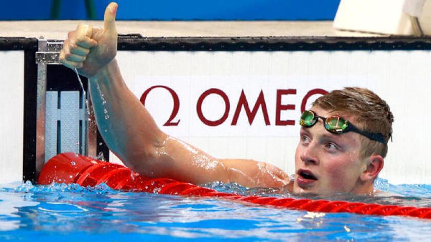 La abuela del nadador británico Adam Peaty se ha convertido en una sensación en Twitter.