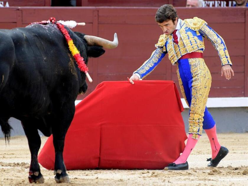 En la imagen, el diestro español Fernando Robleño. EFE/Archivo