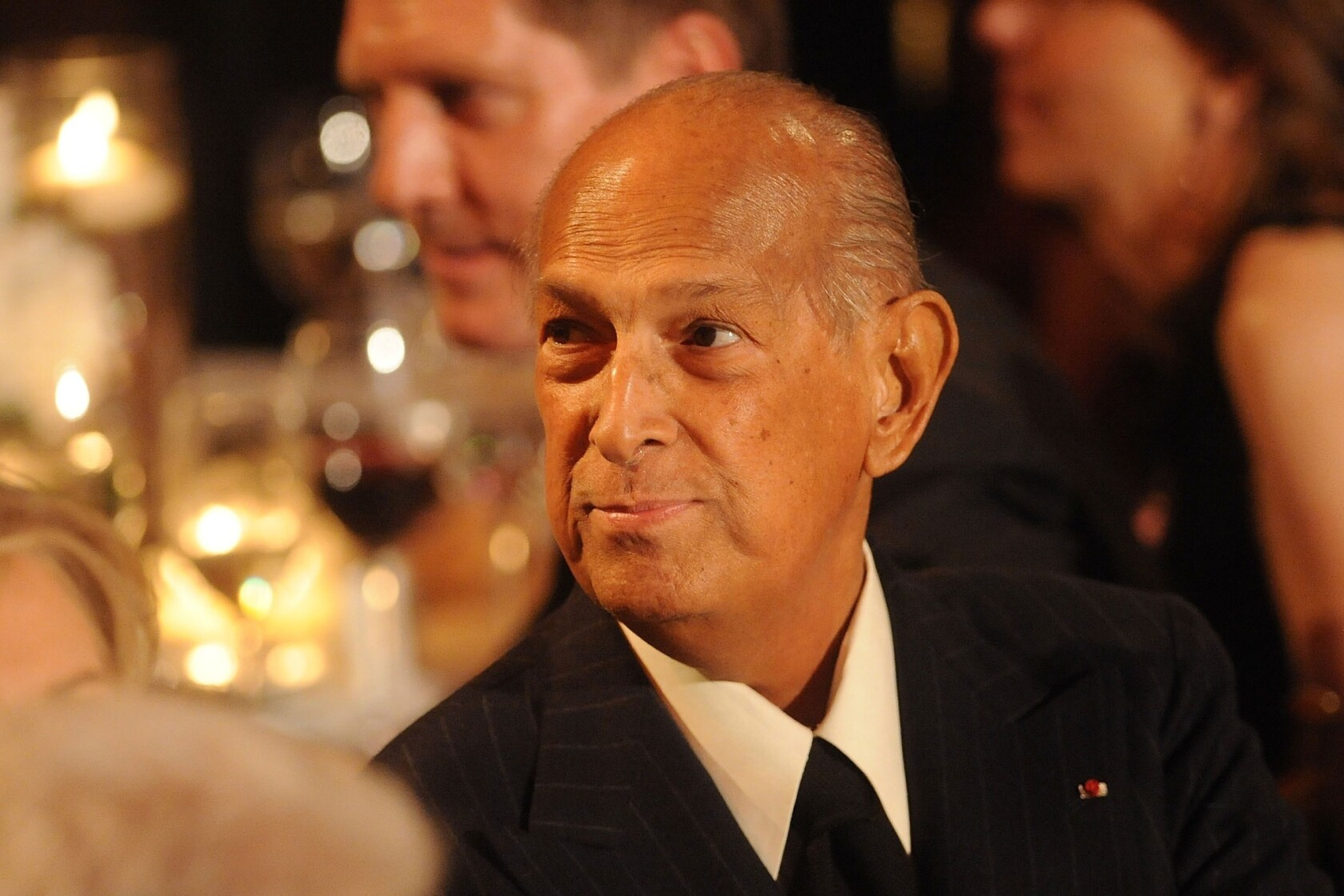 Oscar De La Renta Dies At 82 Fashion Designer Behind Red Carpet Icons Los Angeles Times