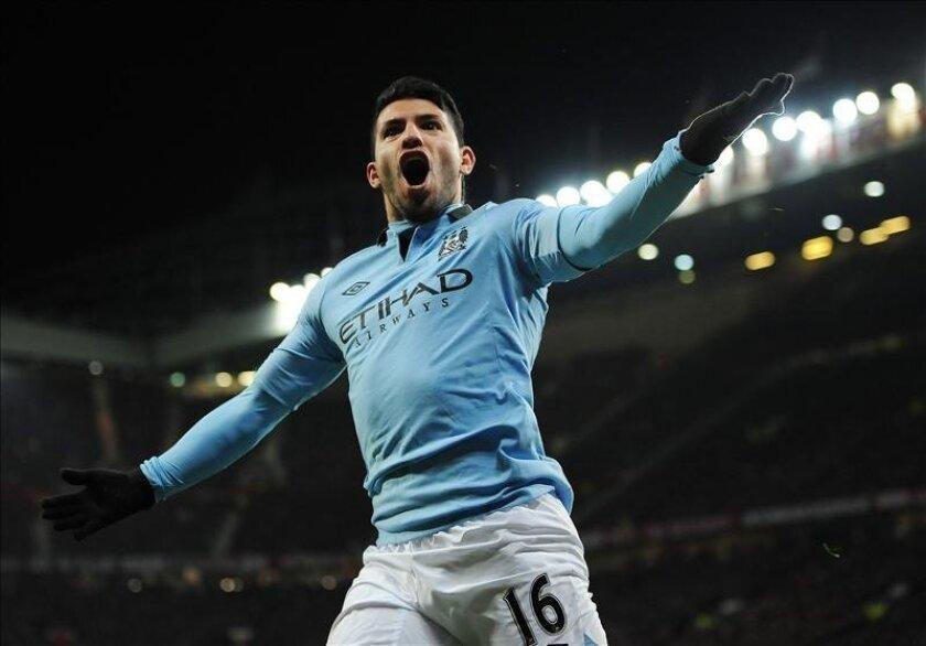 El jugador del Manchester City Sergio Agüero  celebra un gol. EFE/Archivo