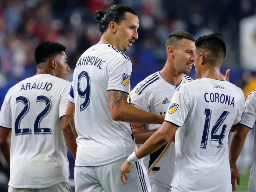 APphoto_MLS+Toronto+FC+Galaxy+Soccer(6).JPG