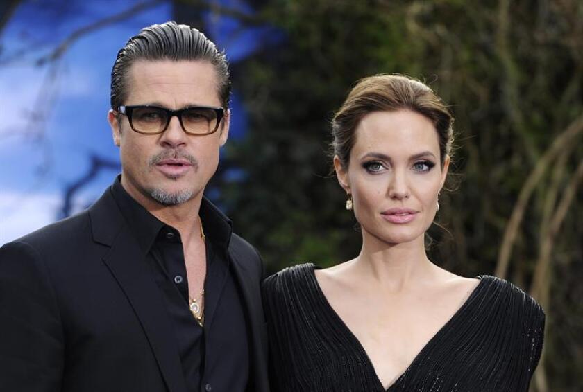 Brad Pitt y Angelina Jolie se encuentran en pleno proceso de negociación sobre la custodia compartida de sus seis hijos, informó hoy la web especializada People. EFE/Archivo