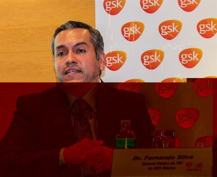 """El gerente médico del área de VIH de GSK México, Fernando Silva, habla hoy, martes 29 de noviembre de 2016, en conferencia de prensa en Ciudad de México. La compañía farmacéutica británica GlaxoSmithKline (GSK) presentó hoy una nueva terapia antirretroviral contra el sida, consistente en un régimen simplificado de una dosis diaria en vez de un """"cóctel de medicamentos"""" y que promete """"reducir la mortalidad y el riesgo de la transmisión del virus"""". EFE/GSK/SOLO USO EDITORIAL"""