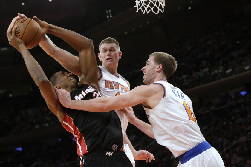 Clippers sign Cole Aldrich