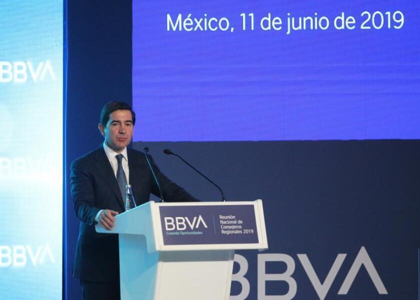 """BBVA se compromete con el """"desarrollo"""" de México pero alerta de """"riesgos"""""""
