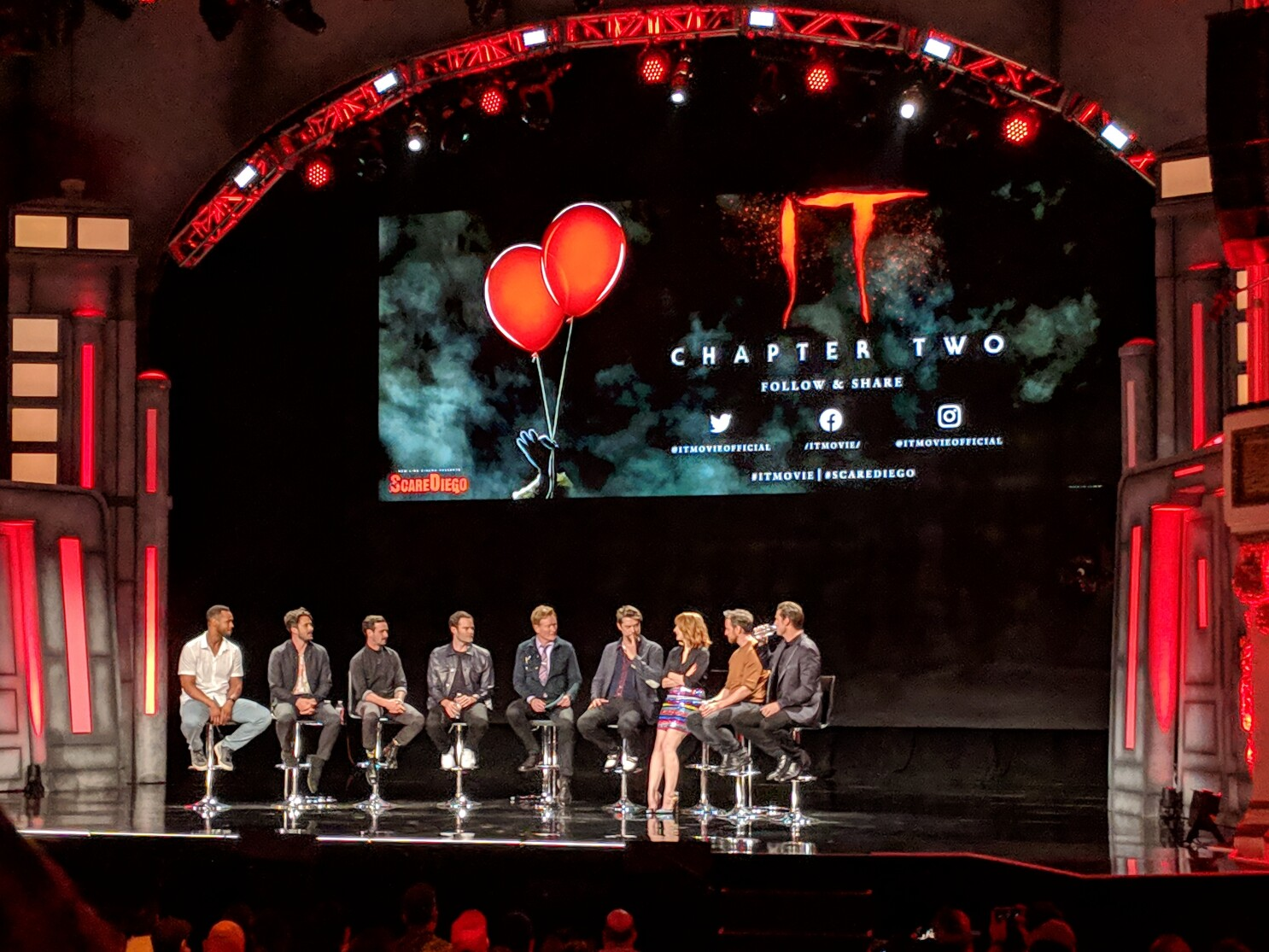 The cast and crew of 'It Chapter Two' share secrets from the set at Comic-Con - Los Angeles Times