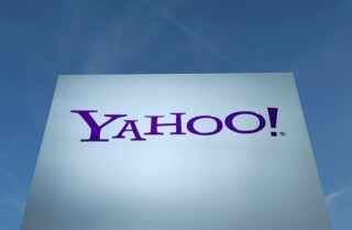 Yahoo warns users of malicious activity