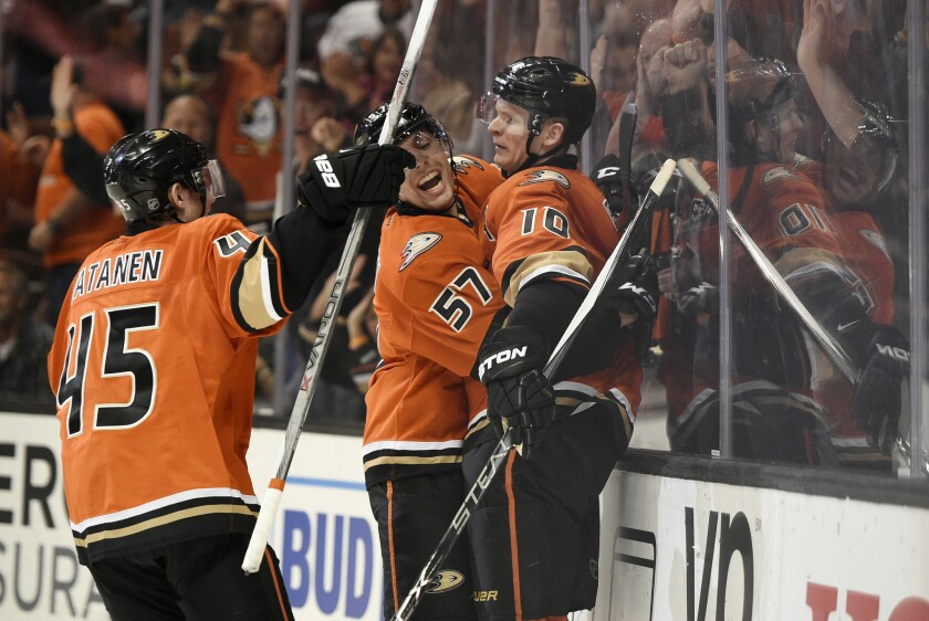 Corey Perry hat trick leads Ducks to 4-2 win over the Kings