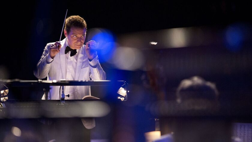 Michael Feinstein conducts the Pasadena Pops in a program of Great American Songbook songs about New