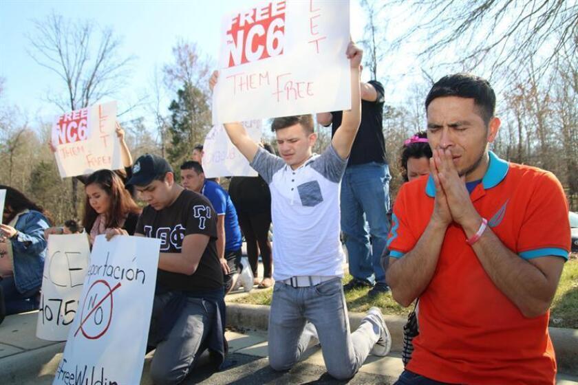El senador demócrata Dick Durbin y el republicano Lindsey Graham presentaron hoy un nuevo proyecto de ley para proteger a los jóvenes inmigrantes indocumentados de la posible deportación bajo el mandato del presidente electo, Donald Trump. EFE/ARCHIVO
