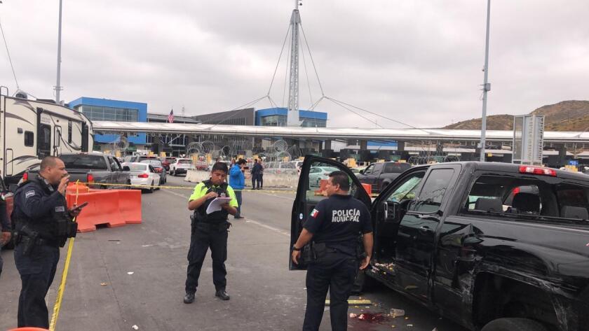 Five injured at border after crash - The San Diego Union-Tribune