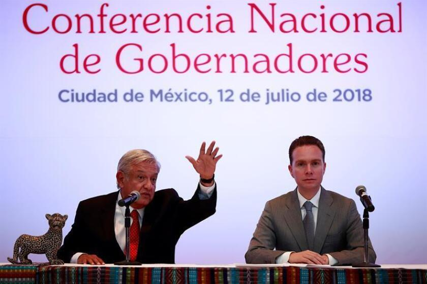 El Senado de México aprobó hoy en segunda votación la licencia de Manuel Velasco para regresar al gobierno del suroriental estado Chiapas, del que se separó para asumir su escaño en la Cámara Alta. EFE/ARCHIVO