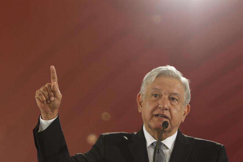 Fotografía de archivo del presidente de México, Andrés Manuel López Obrador, en el Salón Tesorería del Palacio Nacional, en Ciudad de México (México). EFE/Archivo