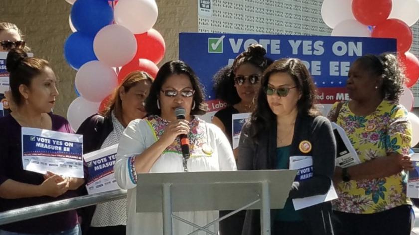 Padres de LA exigen reducción de estudiantes en aulas y enfermeras en escuelas: Instan al voto el 4 de junio