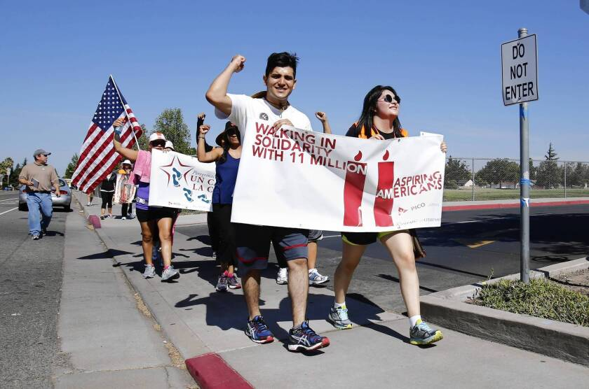 Immigration bill backers keep pressure on Congress during recess