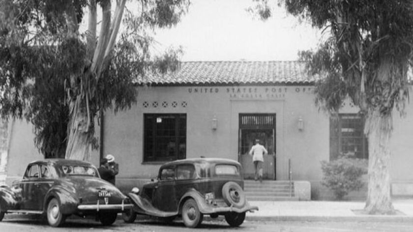 A historic photo of the La Jolla Post Office at 1008 Wall St., reveals the building started out with