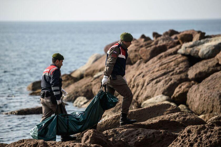Migrant boat sinks