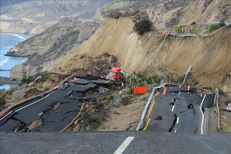 Photograph taken on Sunday, Dec. 29, 2013, of the 300-meter (983-foot) stretch of the Tijuana-Ensenada Scenic Highway that collapsed due to a mudslide, forcing officials to close the important road in the northwestern Mexican state of Baja California indefinitely. EFE