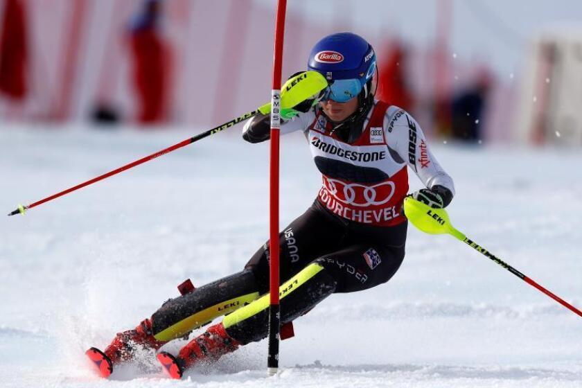 La estadounidense Mikaela Shiffrin también triunfa en Courchevel, Francia. EFE/EPA