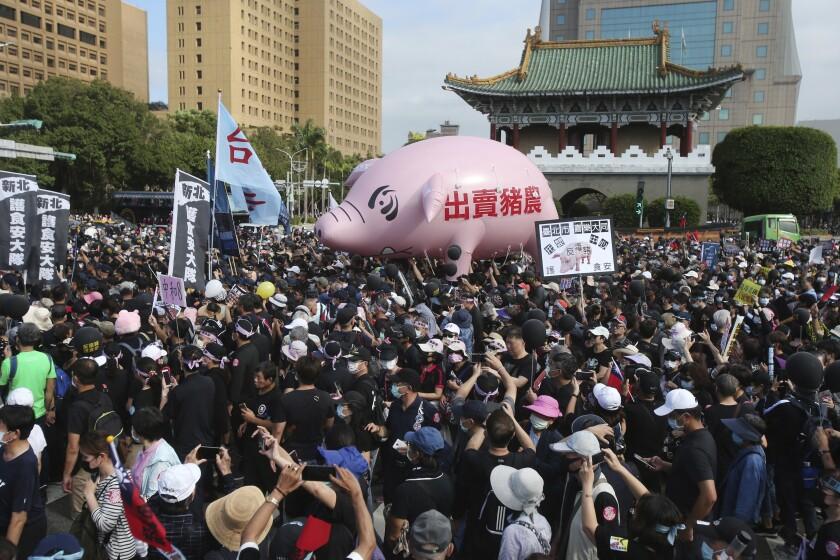 ¿Por qué protestan en Taiwán contra la carne de cerdo de EEUU?