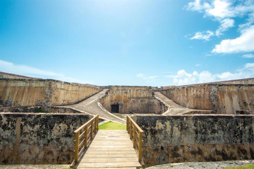 Fotografía sin fecha cedida por Discover Puerto Rico donde aparece el Castillo San Cristóbal, una fortificación española completada en 1783 y considerada Patrimonio de la Humanidad desde 1983, ubicada en el Viejo San Juan (Puerto Rico). EFE/Discover Puerto Rico/SOLO USO EDITORIAL/NO VENTAS