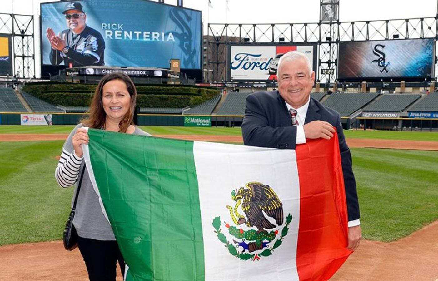 Rick Rentería recibió una segunda oportunidad de dirigir en Chicago —esta vez en el sur de la ciudad. Los Medias Blancas ascendieron al mexicano de entrenador de banca con la esperanza de que pueda cambiar el rumbo de una franquicia que anda a la deriva.