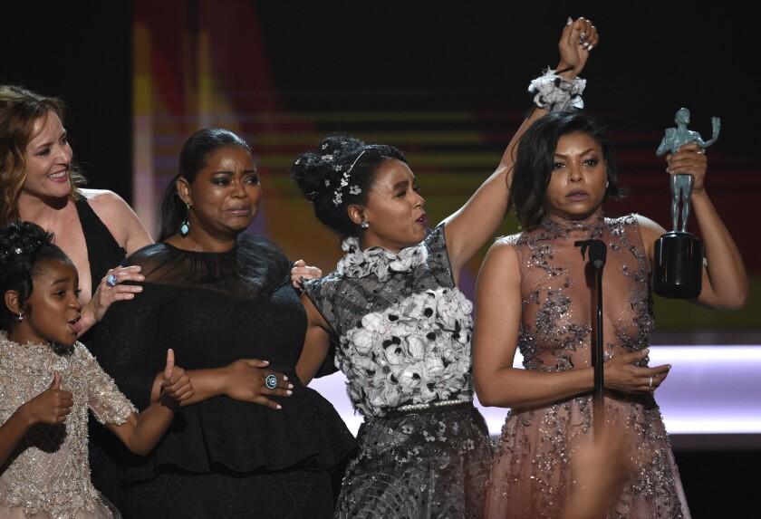 """Contra las expectativas, la cinta """"Hidden Figures"""" fue la ganadora central de los Premios del SAG al recibir el trofeo al mejor reparto."""