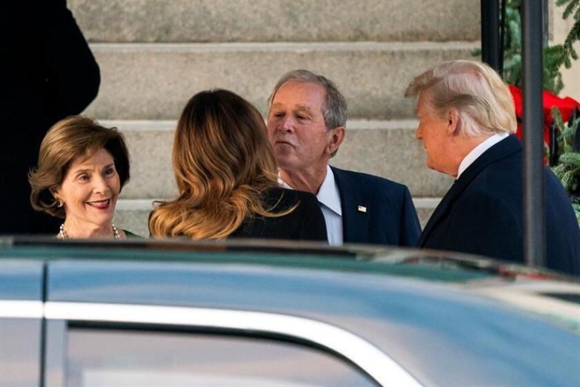 President Trump visits Bush family after death of George H.W. Bush
