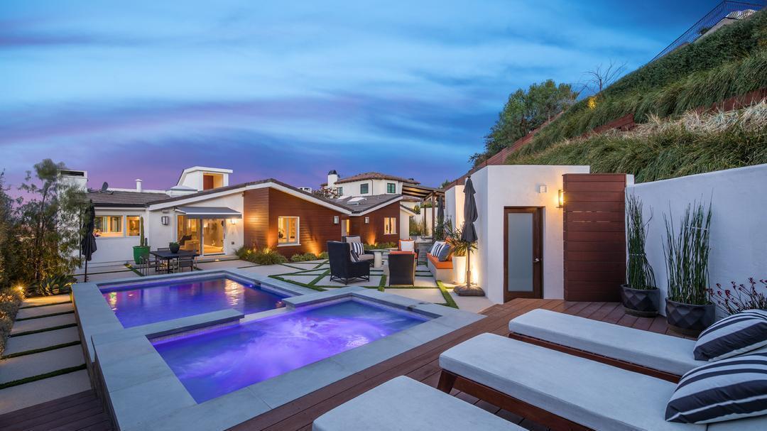Tricia Helfer | Hot Property