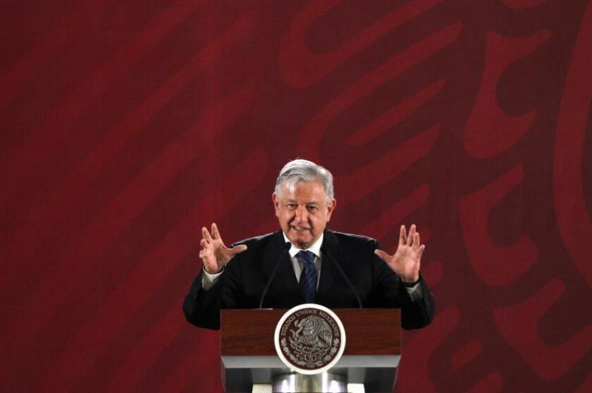 El presidente de México, Andrés Manuel López Obrador, habla durante su conferencia matutina en el Palacio Nacional, en Ciudad de México (México). EFE/Archivo