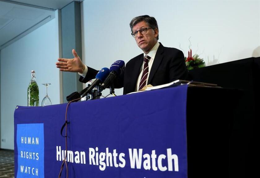El director ejecutivo para las Américas de Human Rights Watch, José Miguel Vivanco, presenta un informe el jueves 13 de diciembre de 2018 en Bogotá (Colombia). EFE/Archivo