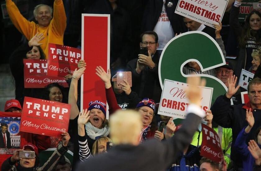 El presidente de Estados Unidos, Donald J. Trump, fue registrado durante un mitin en Pensacola (Florida, EE.UU.). EFE