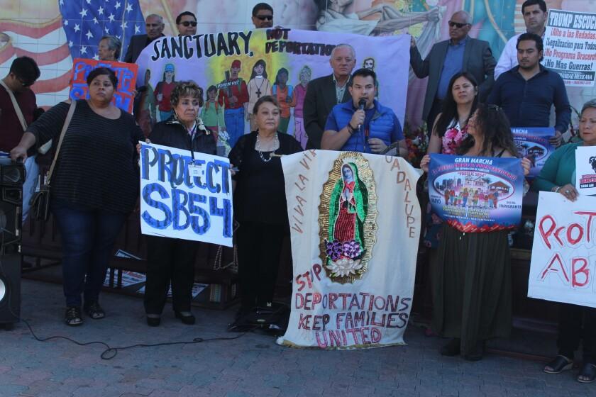 Último impulso para la marcha de 1 de Mayo: Locutores de radio se unen con anuncios