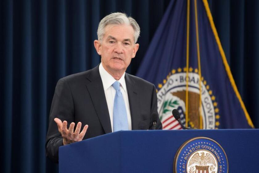 La Fed baja los tipos de interés ante la debilidad global