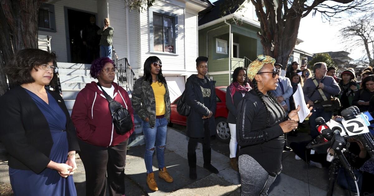 Mütter hocken in die Heimat zu protestieren, sind die Bay Area-Immobilienkrise sind rausgeflogen Abgeordneten