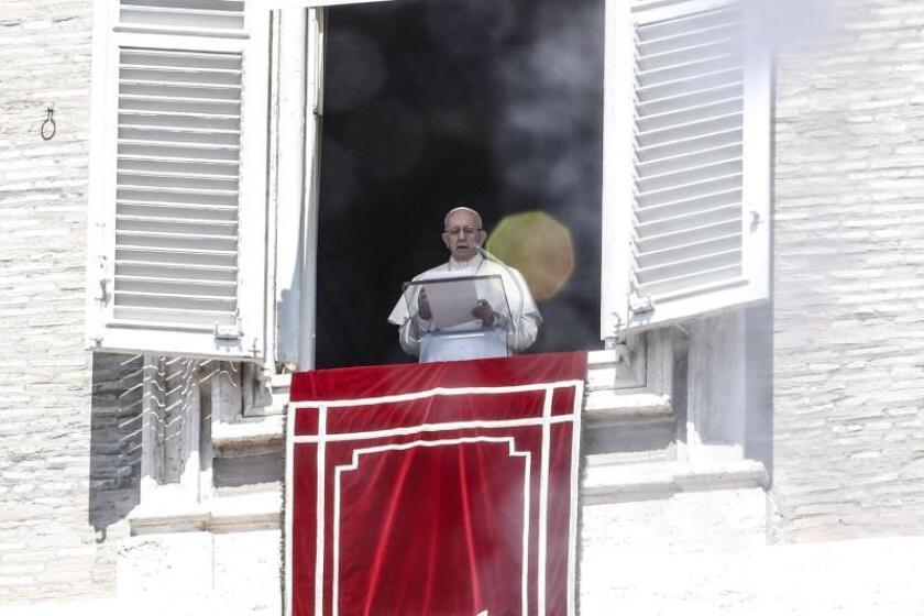 El papa Francisco este domingo en el Vaticano. EFE