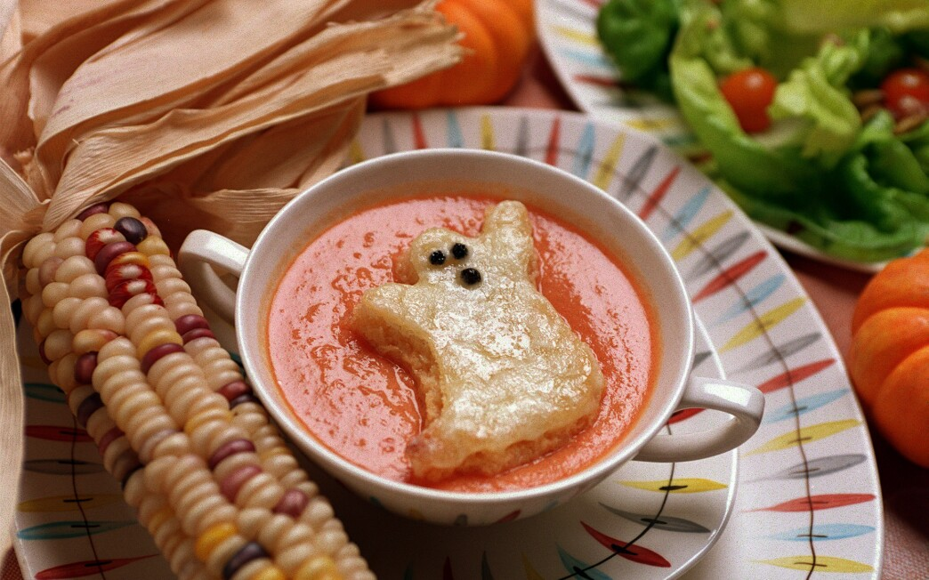 Tomato Soup With Ghost Toasts
