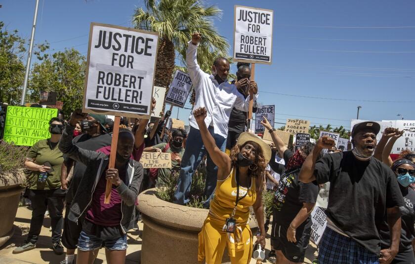 Family of Robert Fuller, Black man found hanging, seeks 'truth ...