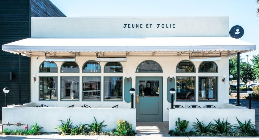 カールスバッドのJeune et Jolieレストランは2021年ミシュランの星を受けました。
