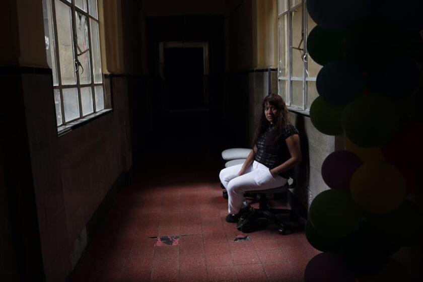 Fotografía fechada el día 26 de enero de 2018 que muestra a la trabajadora sexual Suspiros durante una entrevista con Efe en Ciudad de México (México). EFE
