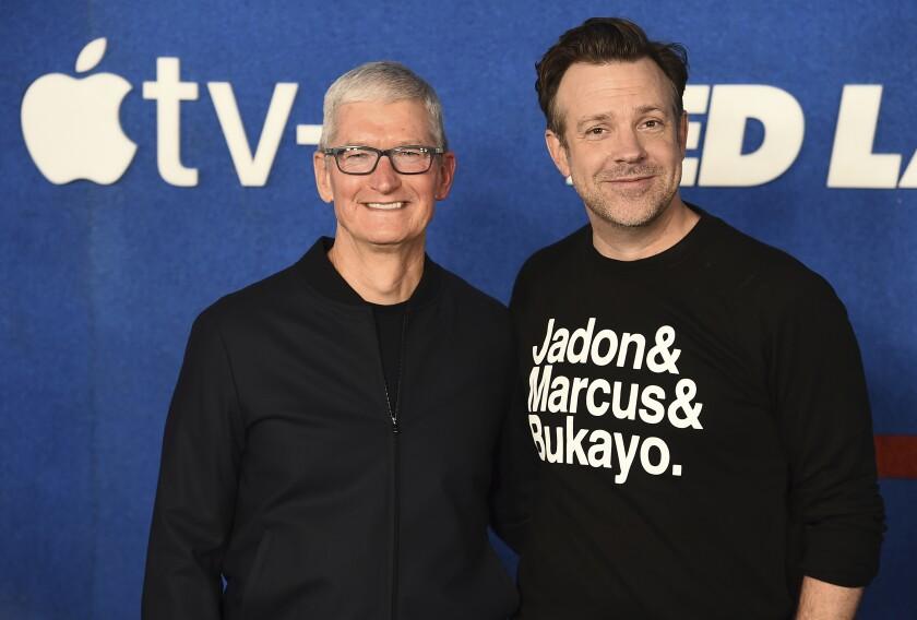 Jason Sudeikis and Tim Cook
