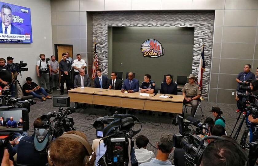 Security personnel attend a press conference to update the media and public on the investigation on the mass shooting at a Walmart in El Paso, Texas, 04 August 2019. EFE/EPA/Larry W. Smith ALTERNATIVE CROP