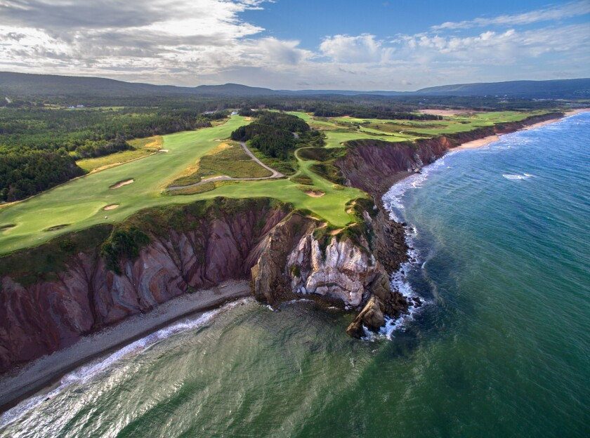 This image of the spectacular 16th Hole at Cabot Cliffs was taken with an Inspire1 drone. Cabot Cli