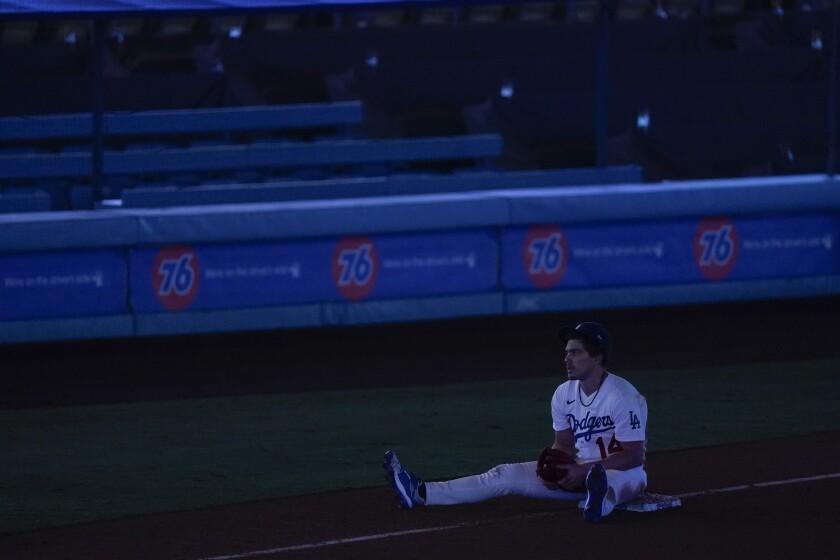 El jardinero izquierdo de los Dodgers de Los Ángeles Enrique Hernández